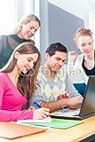 druck-shop24 Wunschmotiv: Universität Studenten lernen bei einem Projekt in Teamarbeit und benutzen einen Laptop #90942143 - Bild auf Forex-Platte - 3:2-60 x 40 cm/40 x 60 cm