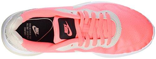 Nike Wmns Md Runner 2 Lw, Chaussures de Tennis Femme Beige (Mango Beige)