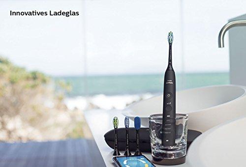 Philips Sonicare DiamondClean Smart Schallzahnbürste HX9924/13 mit 5 Putzprogrammen, 3 Intensitäten, Ladeglas, USB-Reiseetui & 4 Bürstenköpfen - schonendes Putzen dank Drucksensor - Schwarz