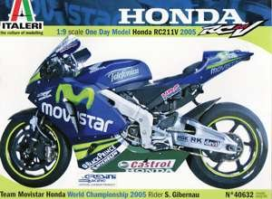 ITALERI Honda RC211V Motorrad Modellbausatz S.Gibernau