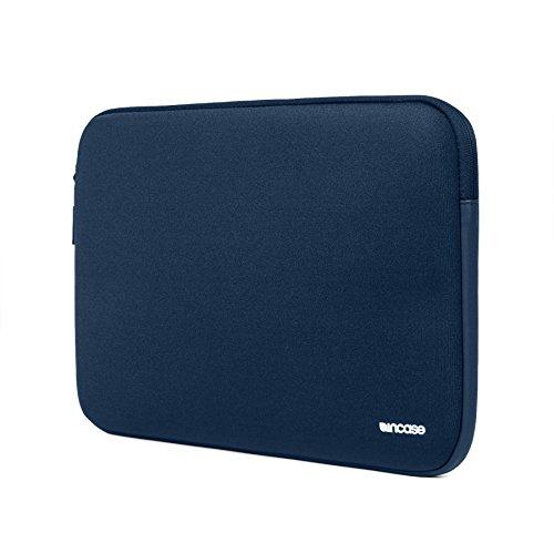 incase-macbook-15-neoprene-classic-sleeve-midnight-navy