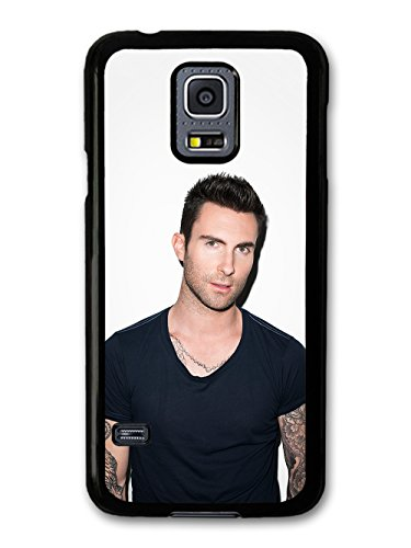 Adam Levine Maroon 5 Singer Portrait with Black T Shirt custodia per Samsung Galaxy S5 mini