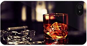 RtCase Food and Drink Whisky Glass With Cigar On The Table black couverture coque case cover pour iphone 4 4s