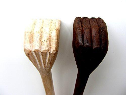 main-gratter-gratter-gratter-le-dos-xxl45-cmfinition-clair-pas-fonce-coloresculptea-la-mainsculpture