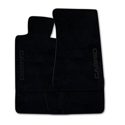 Preisvergleich Produktbild (Q100, Farbe wählbar!) Fußmatten aus NF-Velours Schwarz mit Druck CABRIO seitlich und Rand in Schwarz (300) für Porsche 911 997 ohne Bose Sound Baujahr 2004-2011
