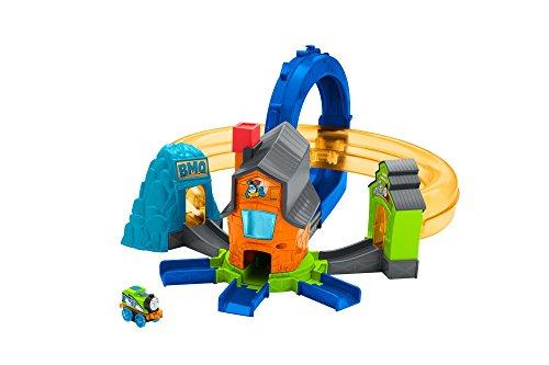 Thomas & Friends FJP36 Minis Boost n Blast Stunt Set, Thomas the Tank Engine Minis Toy Train Set