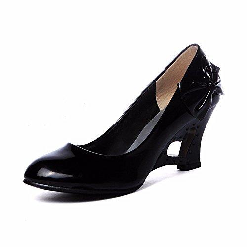 Noeud papillon, chaussures de femmes, des talons hauts, faible pente et big sandales Black