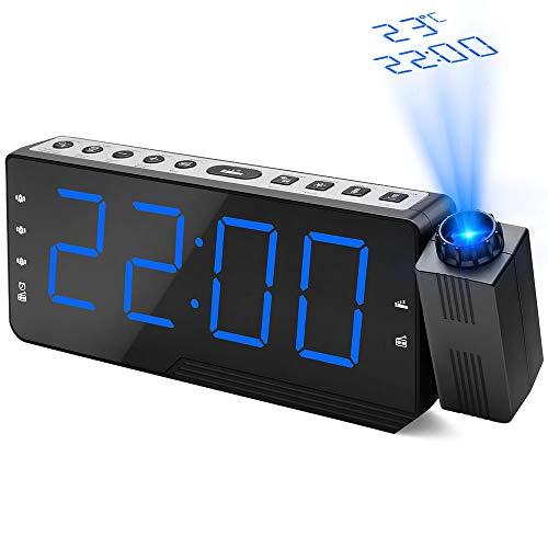 DeYoun Projektionswecker, FM Radiowecker mit Projektion 5\'\' große LED-Anzeige Alarm Clock | Wecker Digital Funkuhr mit Temperatur/Dimmer/DREI-Alarm/Snooze (USB-Anschluss, 120°Flip-Projektionsanzeige)