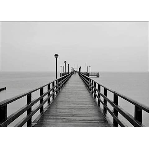 Stampa su legno 70 x 50 cm: PIER BALTIC SEA 1 BW di HADYPHOTO by Hady Khandani