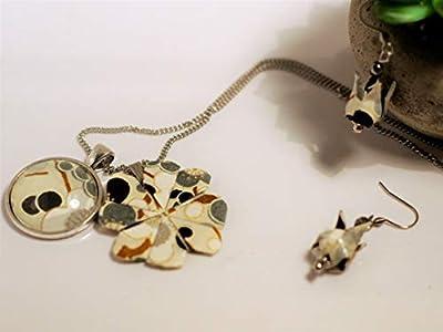 Parure Origami Fleur de lotus avec pendetif et trèfle à 4 feuilles origami // Idée cadeau dans un joli coffret pour femmes