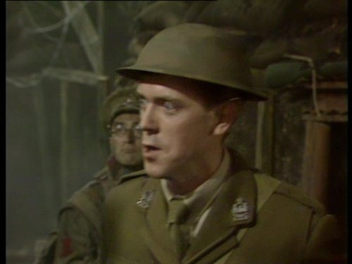 blackadder-goes-forth-e01-captain-cook