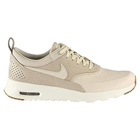 Nike Wmns Air Max Thea Prm, Sneakers Basses Femme, Beige (Oatmeal/Oatmeal/Sail/Khaki/Gum Med Brown), 37.5 EU