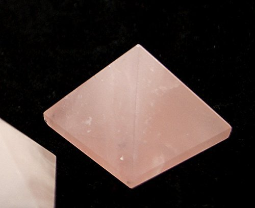 Quarzo rosa piramide lucidato cristallo 22-24mm base just under 1