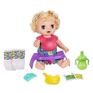 Baby Alive Muñeca de Pelo Rizado, Feliz y Hambriento, Hace más de 50 Sonidos y Frases, Come y Bebe y rellena su pañal, para niños de 3 años en adelante