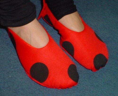 Marienkäfer Kostüm Kinder Schuh Decken Größe Medium 21cm Vorder Zu Unterstützen (Machen Kostüm Schuhe Sie Ihre Eigenen)