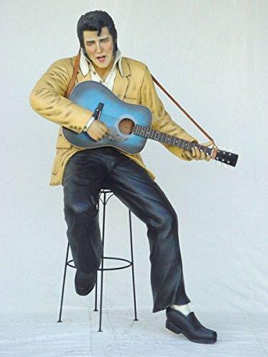 Elvisdouble mit Gitarre auf Hocker lebensgroß 178cm für draußen aus Hochwertiger Glasfaserkunststoff (GFK) (Lackierte Gitarre)