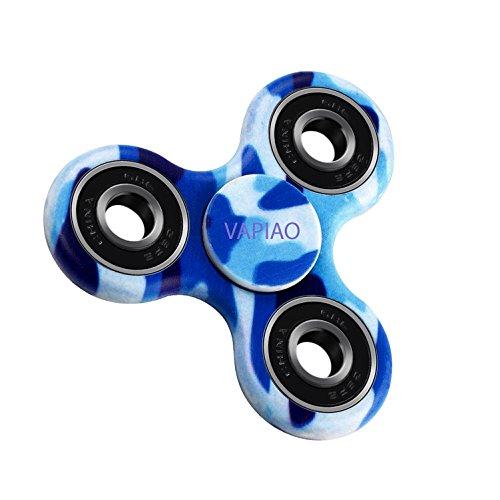 Preisvergleich Produktbild Fidget Tri (dreifach) Spinner Special Version mit 4 Hochleistungs Kugellagern Anti Stress Kreisel Hand Spielzeug in Camo Blau von VAPIAO