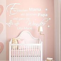 WANDTATTOO AA091 Wandaufkleber Ein bisschen Mama ein bisschen Papa und ganz viel Wunder personalisiert Wunschnamen Geschenk zur Geburt Taufe Baby