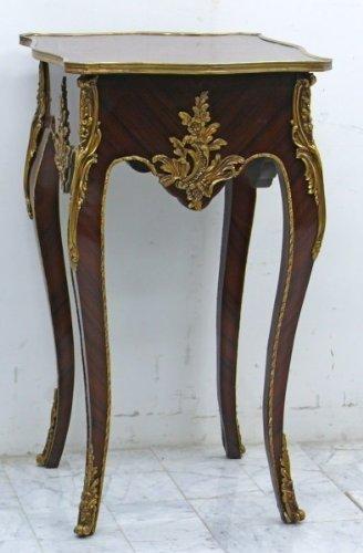Table baroque table d'appoint de style antique Louis XV MoTa0197