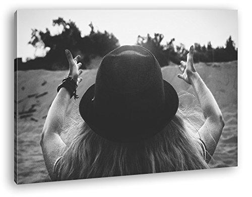 Sonnenstrahlen empfangen Format: 120x80 Effekt: Schwarz/Weiß als Leinwand, Motiv fertig gerahmt auf Echtholzrahmen, Hochwertiger Digitaldruck mit Rahmen, Kein Poster oder Plakat Wüste Pralinen
