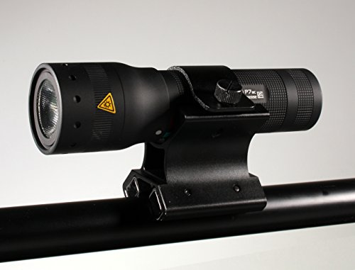 Universal Magnethalter + LED LENSER P7QC (schwarz) LED Taschenlampe inkl. schöner Geschenkbox -