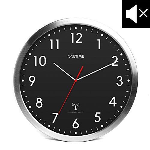 Preisvergleich Produktbild ONETIME MNU 3300 Schwarze Funkwanduhr aus Aluminium mit LAUTLOSEM Sweep Uhrwerk 12 Zoll (Ø) 30,5 cm