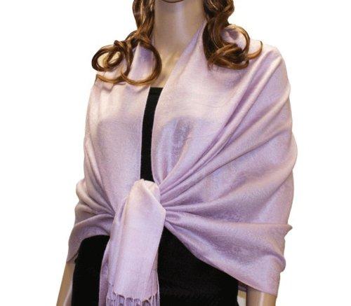 Fabuleux, très grand et doux foulard en viscose à motif Paisley. Produit offert par NYFASHION101. Lavande 23