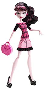 Monster High - Scaris City of Frights - Draculaura Daughter of Dracula - Fashion Doll