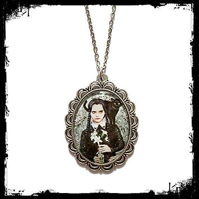 Collier Addams Family Mercredi Wednesday Halloween : Grand pendentif cabochon en verre