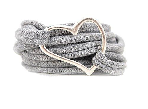 Armband Wickelarmband aus Stoff weich hellgrau oder in Wunschfarbe mit Herz silber individuelle Valentinstag Geschenke mit Liebe (Herz Casual)
