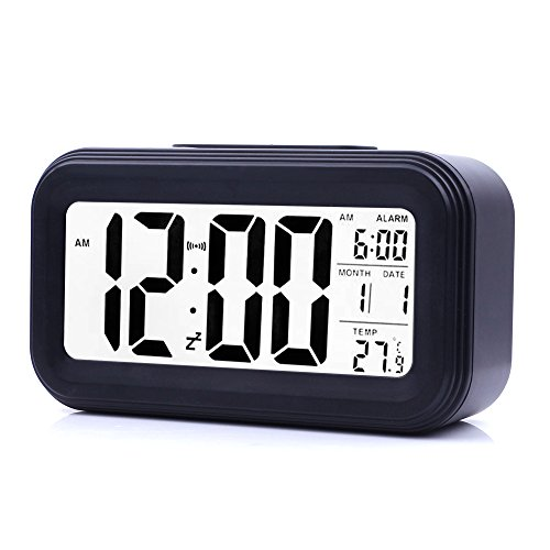 JJCall Smart Digital Wecker, Batteriebetriebener mit einem großen Display, Snooze-Funktion für 5 Minuten, Datums-, Temperatur-Anzeige und Lichtsensor (Schwarz)
