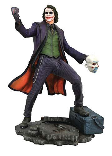 La compañía Diamond Select vuelve a aparecer haciendo gala de su buen hacer y nos presentan esta buena pieza en forma de estatua del gran Heath Ledger haciendo de The Joker con esta estatua de 23 cm de altura oficial y licenciada que si eres fan del ...