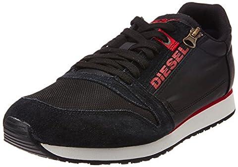 DIESEL - Sneakers - Men - Black Slocker S Sneakers