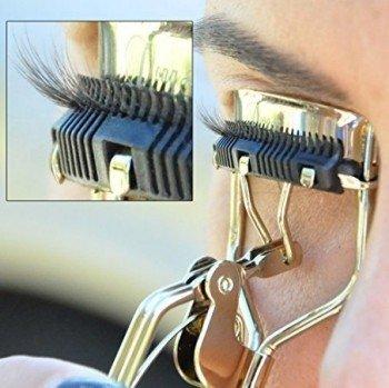 Rizador de pestañas con peine incorporado