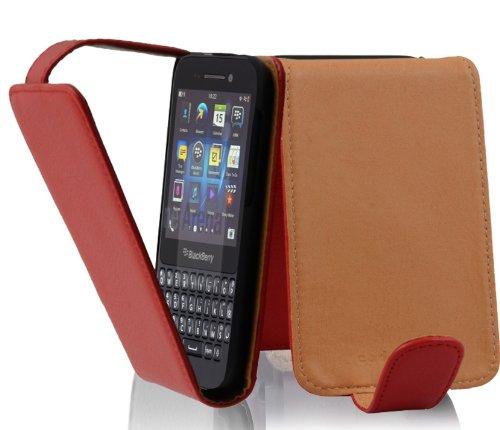 Cadorabo Hülle für Blackberry Q5 - Hülle in INFERNO ROT – Handyhülle aus strukturiertem Kunstleder im Flip Design - Case Cover Schutzhülle Etui Tasche
