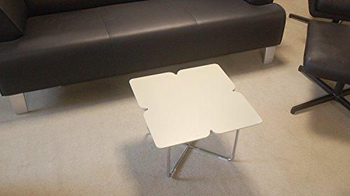 Möbel Akut Couchtisch ROLF Benz Freistil 195 Design Kleeblatt 49 x 49 cm warmgrau Gestell Chrom