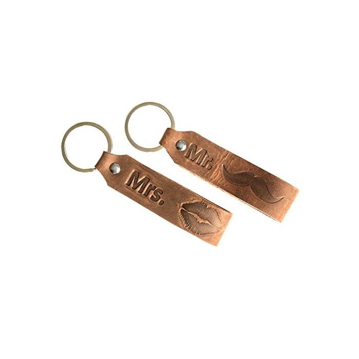 ANKERPUNKT Schlüsselanhänger mit Gravur Mr. & Mrs. Leder Pärchen Paar Liebe Geschenke Jahrestag Hochzeit Handmade in Germany Dunkelbraun Used Look 1