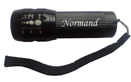 Eingravierte Taschenlampe mit Aufschrift Normand - Normande Beleuchtung