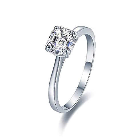 Stunning Sterling Silver Solitaire Engagement Ring With Diamond Look Cubic Zirconia (6mm diameter). Available in all sizes between G and Z+3 (Q)