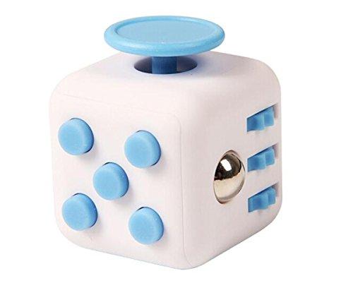 Annein Stresswürfel wie Fidget Cube als perfektes Spielzeug für unterwegs, bei der Arbeit oder im Wartezimmer (D)