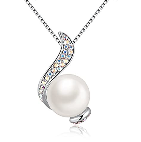 White Freshwater Cultured Single Pearl Pendant Necklace with Crystal from