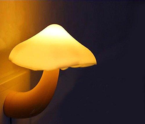 Luces nocturnas para niños, Baby LED Mushroom Lámpara de noche, Sensor de ahorro de energía LED Luz romántica de noche con enchufe amarillo