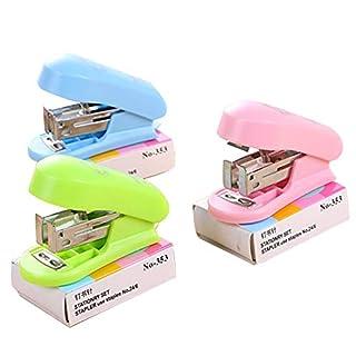 Gysad Mini-Heftgerät mit Klammern, niedliches kleines Heftgerät für Kinder, Kunststoffkörper, verwendet 24/6 mm Klammern (zufällige Farbe)