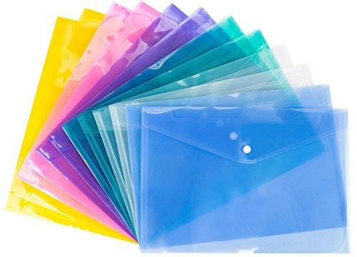 Cartellina in plastica con chiusura a bottone, iFergoo, 24 pezzi, impermeabile, trasparente, per progetti, in 6 colori, formato lettera / A4. Con 140 bloc notes in omaggio.