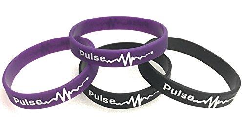 MENTALIZE® 4er-Set Power Silikonarmbänder | Silikon Armband | Mit Spruch (Pulse - 2X Lila, 2X Schwarz, 4er-Set - 12mm Breit)