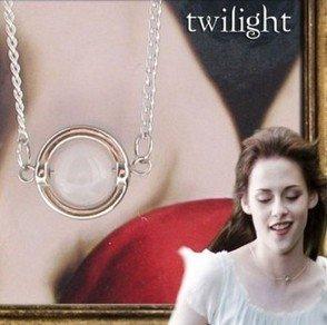 Film Kostüme Replik (Twilight Breaking Dawn Bellas Mondstein-Halskette Anhänger)