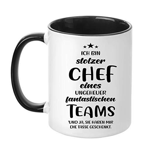 Fantastisches Geschenk (TassenTicker - ''Ich bin stolzer Chef eines ungeheuer fantastischen Teams'' - beidseitig Bedruckt - Kaffeetasse - Arbeit - Büro - Geschenkidee (Schwarz))