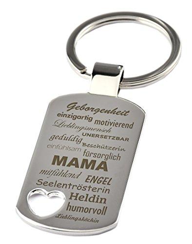 """Schlüsselanhänger mit Herzauschnitt und Gravur """"Eigenschaften einer Mama"""" – Chrom – Geschenk – Mutter – Mama – Muttertag oder als Geschenk zu Weihnachten …"""