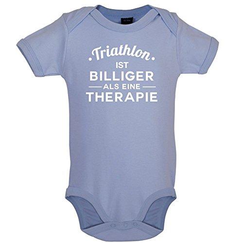 Dressdown Triathlon ist billiger als eine Therapie - Lustiger Baby-Body - Taubenblau - 12 bis 18 Monate