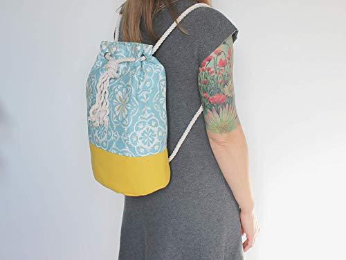 Blau gelber Rucksack / Seesack mit ethno Mandala Motiv. Aus hochwertigem Canvas mit weißer Kordel. Vegane Yoga - Sporttasche - 2